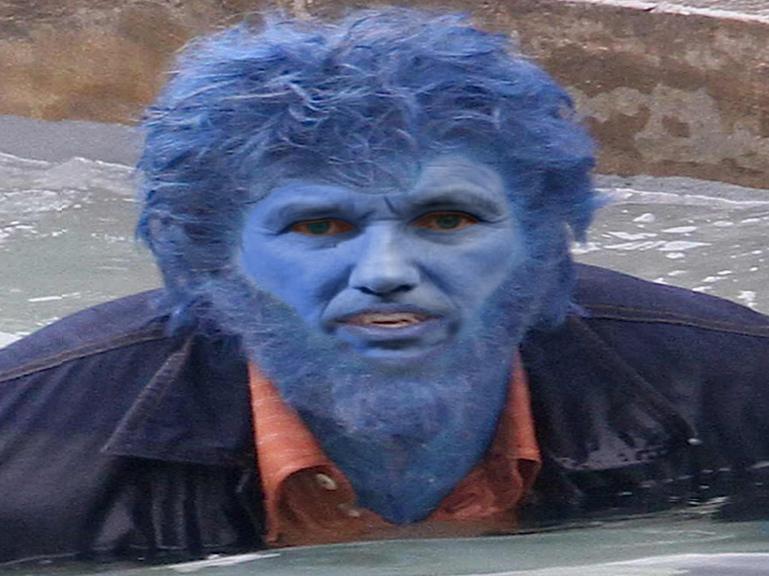 Sticker dupont aignan fauve x men marvel beast debout droite nicolas hero bete loup monstre wolverine nda bleu eau