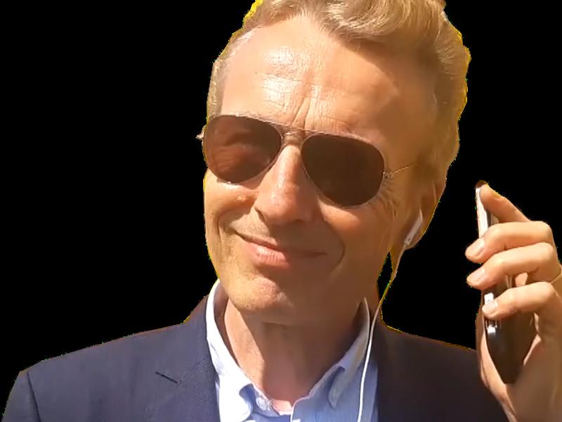 Sticker politic eric riedmatten suisse cnews facealinfo lunettes bg galbe ecouteurs telephone